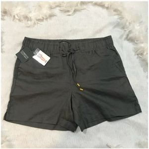NWT Size Medium Ellen Tracy Shorts
